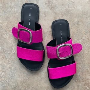 Buckle sandals in hot pink. Size EU36